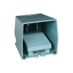 Превключвател крачен метален IP66 син 1NC+1NO с капак